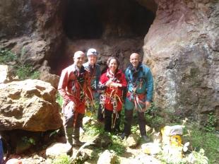 Agus, Susana, Montse y Rafa en la entrada.